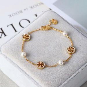 NWT Tory Burch pearl logo bracelet
